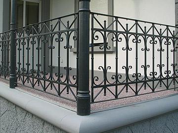 Fassaden, Pergola, Brücken, Türen, Geländer, Tore, Balkone, Oblichter, Schmiede